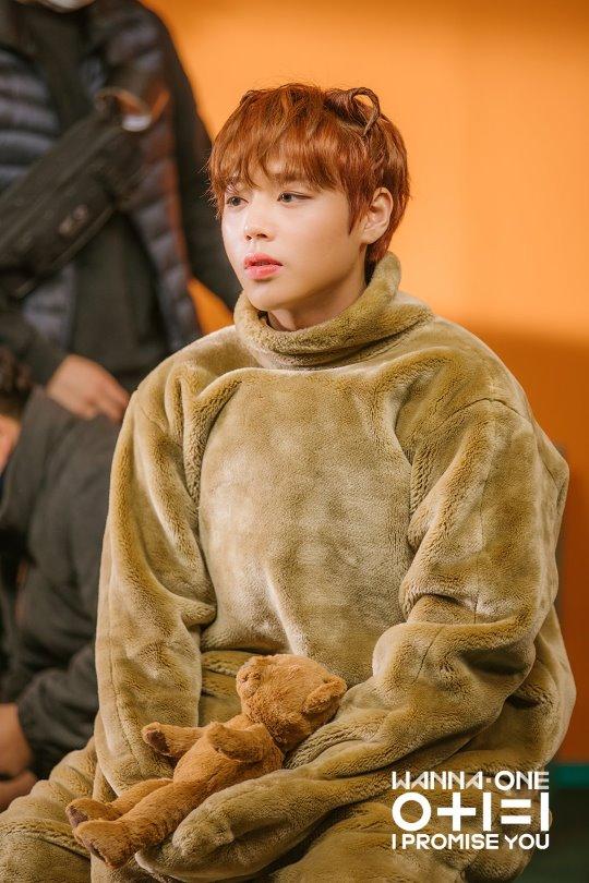 朴志训当选「成年后还是一样可爱的20岁明星」第一名!