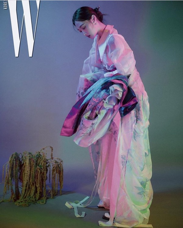 Sulli《W Korea》十月號
