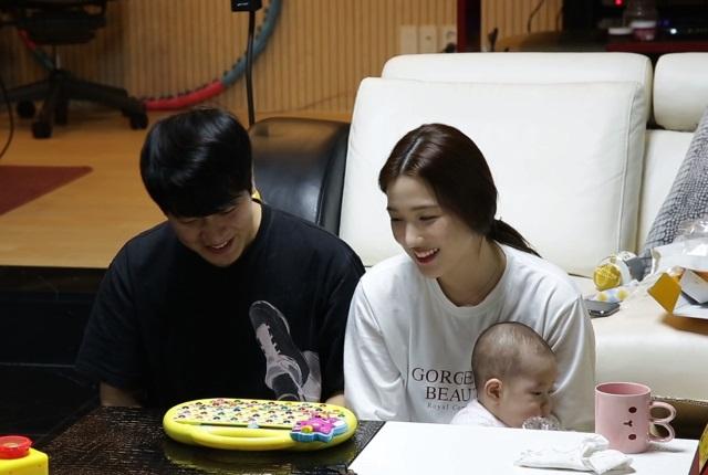 敏煥、Yul Hee《做家務的男人們》劇照