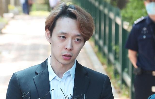 朴有天被判刑10个月、缓刑2年;并向粉丝道歉 (有影片)
