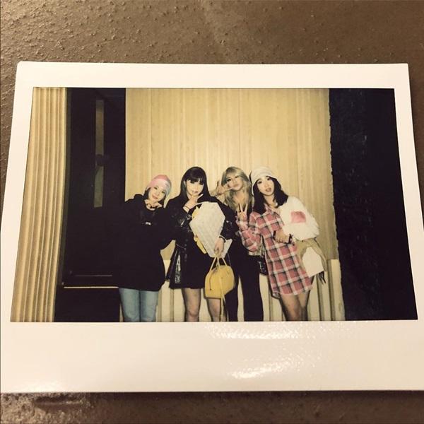 2NE1 十週年合照:CL