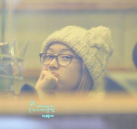 Jessica 的眼镜被忽略?