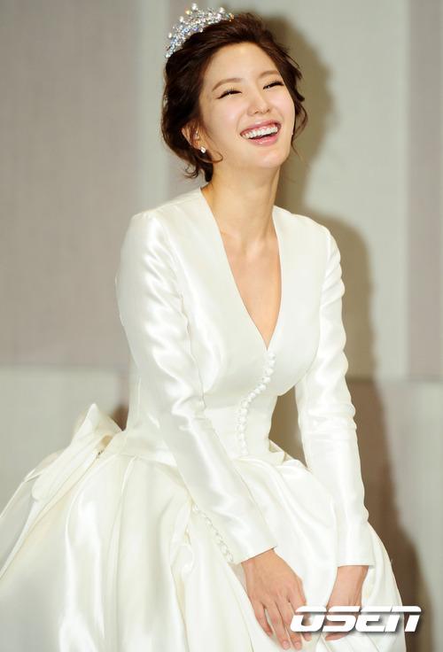 徐智英的婚礼记者会