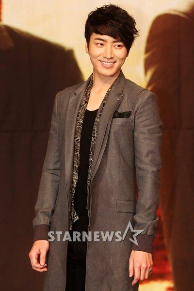 演员李浚赫六月将入伍