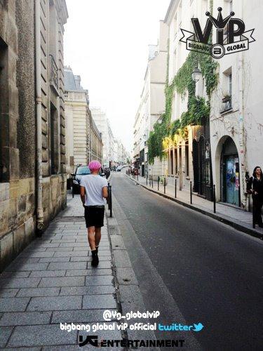 正在法国巴黎的 G-Dragon