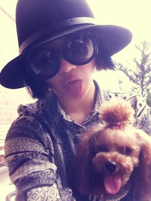 Minzy:看我的鬼脸!