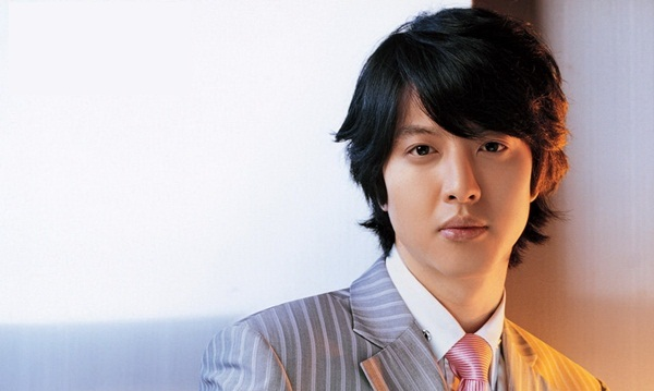 李东健加入 FNC Ent.