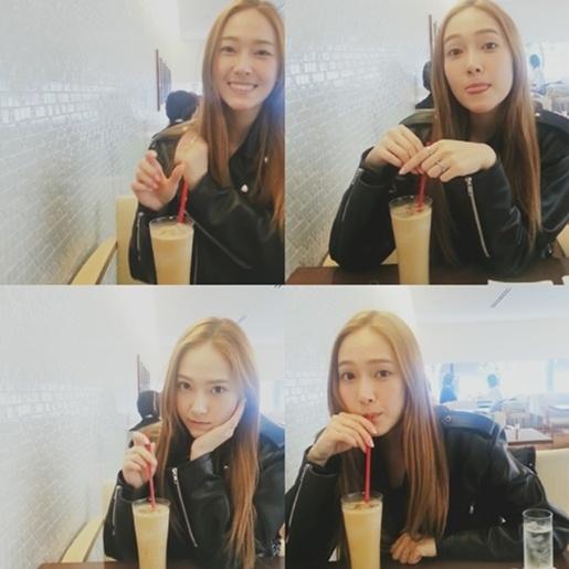Jessica 多种表情的四格照