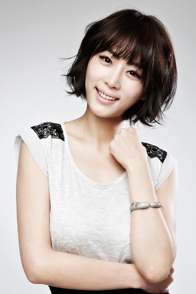姜艺媛与 SM C&C 签约