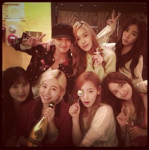 Sunny 与成员的生日派对