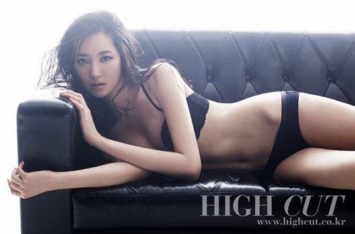 高俊熙过去性感画报引话题