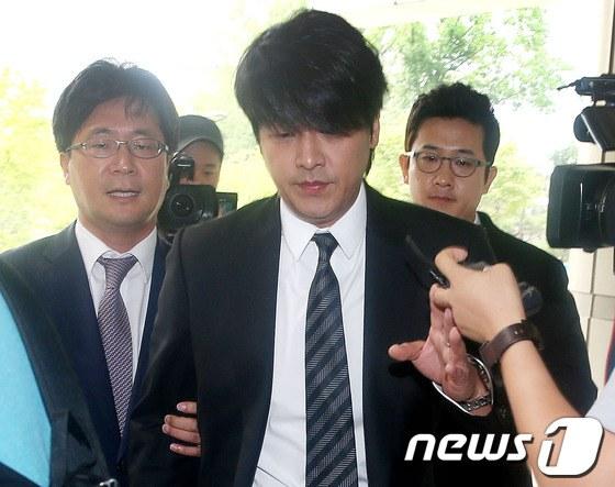 柳时元遭求刑8个月