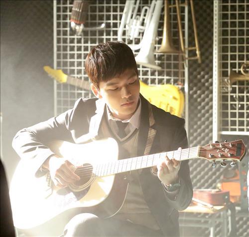 吕珍九:吉他场面亲自上阵