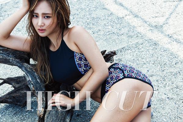 Yuri 的 HIGH CUT 运动画报
