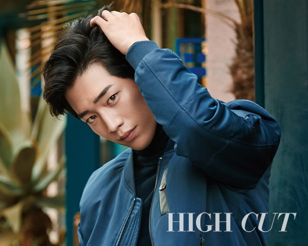 徐康俊 @ HIGH CUT Vol.161