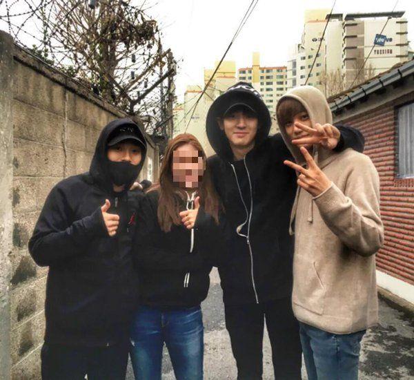 Chan Yeol、CHEN、KAI 與粉絲做公益