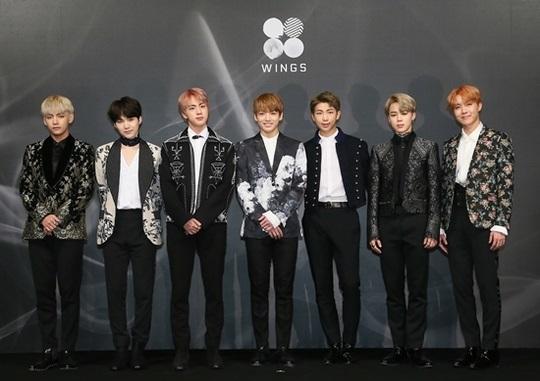 BTS 进入告示牌年度排行榜四个部门!