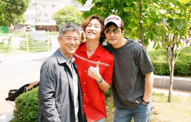 权相佑、成东日电影《侦探2》完成拍摄